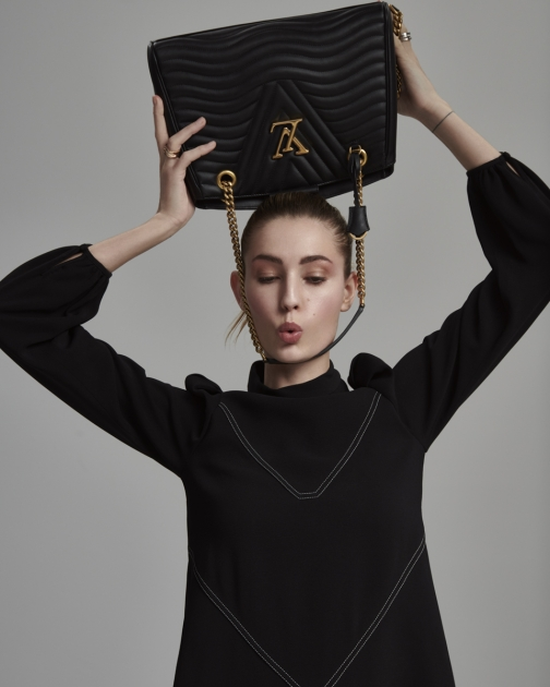 Fashion Photographer Director NYC Andreas Ortner Editorial ELLE LV Tasche