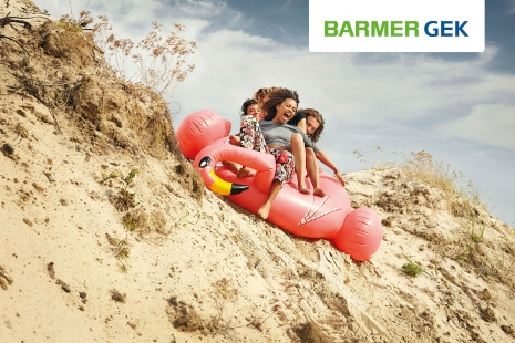 Sven Jacobsen Advertising Barmer Insurance Flamingo