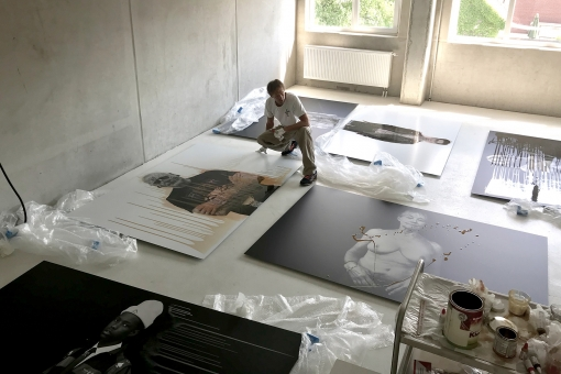 Photographer Sven Jacobsen Exhibition Hamburg Personal Icons Making of