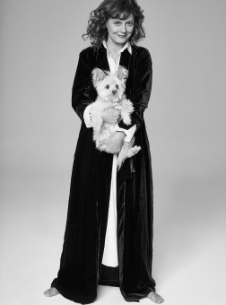 Photographer Walter Chin Icon Magazine Susan Sarandon Editorial February 19 With Dog Fashion Women