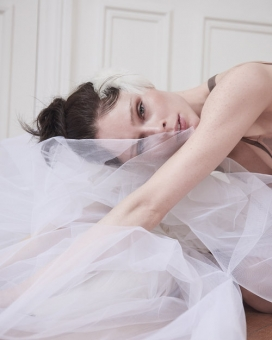 Fashion Photographer Director NYC Andreas Ortner Editorial ELLE Magazine CZ Coco Rocha Close up Sitting Fashion Women