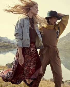 Fashion Photographer NYC Andreas Ortner Free People Holiday Campaign Two Girls Walking Closeup
